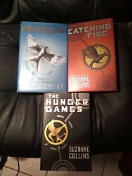 Lot Of 3 Suzanne Collins Books Catching Fire, Mockingjay And The Hunger Games