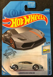 Hot Wheels CUSTOM Lamborghini Huracan with Real Riders $10.99
