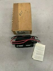 New In Box Parker 110/120v. Pneumatic Solenoid Control Valve Ss40103701