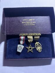 Vintage Masonic Regalia And Jewels 3 Medals In One Pin