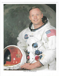 Neil Armstrong Autographed Photo Nasa Apollo 11 / Jsa Certified Not Inscribed