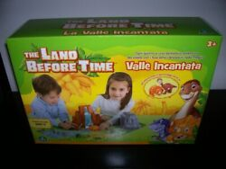 The Land Before Time Playset With 2 Mini 4 Figures Included