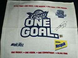 Lebron James Signed Cleveland Cavaliers 2009 Playoff Giveaway Towel Exclusive.