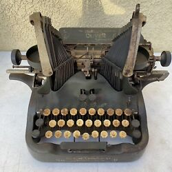 The Oliver Typewriter The Printype No. 9 - Military Green - Antique