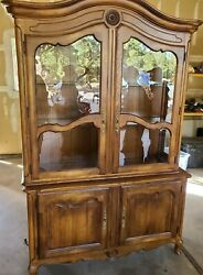 Vintage Ethan Allen Country French China Wood Cabinet Glass Window