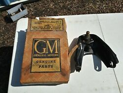 Nos Gm 60-69 Chevy Corvair Rh Upper Steering Knuckle Control Arm 3782258