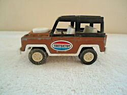 Vintage Tootsie Toy Land Rover Great Collectible Item