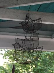 Vintage 3 Wire Chicken Baskets Rustic Country Farm Egg Collecting Or Decora