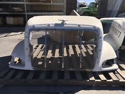 2004 Peterbilt 387 Hood Grille And Ornament