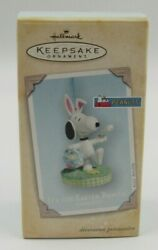 Hallmark Keepsake Peanuts quot;It#x27;s the Easter Beaglequot; Snoopy Ornament Dated 2004