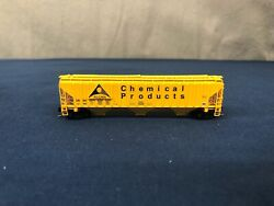 Pacific Western Rail N Scale Chemical Product 3-bay Hopper W/ Mt Couplers No Box
