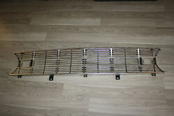 Nos 1960 Ford Falcon Grille