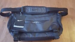 New The Ridge Nike Departure Messenger II Black Shoulder Golf Bag TG0263 NWT $37.99