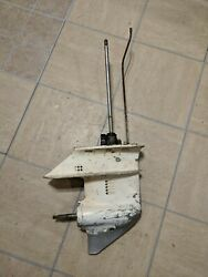 1985 Johnson Evinrude 15hp Lower Unit / Gearcase Assembly