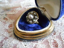 Very Rare 17th Century 18kt Gold And Natural Pearl Fede Chianina Ring