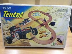 Tyco Off-road Slot Track With 2x Turbo Hopper Racing Cars Mib Vintage Italy