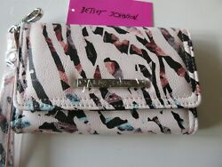 Betsey Johnson Xocelly B Wristlet Wallet Multi Color Signature Logo New With Tag $29.75