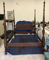 Vintage Mahogany Four-poster Bed Queen Size
