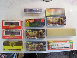 Lot Of 11 Vintage Athearn, Life-like ,roundhouse, Train-miniature Ho Cars, Boxes