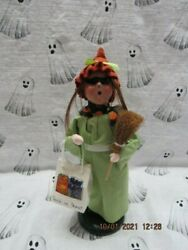 Byers Choice 2012🎃🎃 Halloween Girl Witch With Broom And Treat Bag🎃🎃