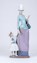 Lladro 1353 Lady With Girl Mother Holding Child's Hand Porcelain Figurine