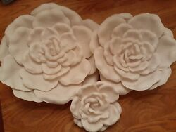 SHABBY CHIC IVORY WALL FLOWERS SET OF 3 HANGING WALL ART HOME DECOR