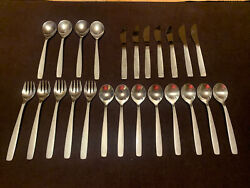 Vintage United Airlines Plane 24 Piece Silverware International Silver Company