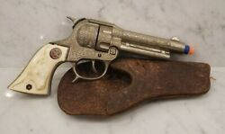 Vintage 1940's Hubley Texan Jr Toy Cap Gun With Leather Holster Cowboy Americana
