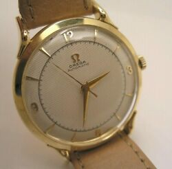 Honeycomb Dial Omega Bumper Automatic Vintage 18 K Rose Gold Watch Ref 2550