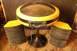 Vintage Retro Space Age Weltron 2007. Stereo System And Stand And Speakers. Yellow