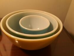 Vintage Pyrex Primary Color Mixing Bowls Blue Yellow Green