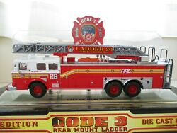 Code 3 - City Of New York Fire Dept. Fdny Ladder 26 Seagrave Fire Truck 1/64