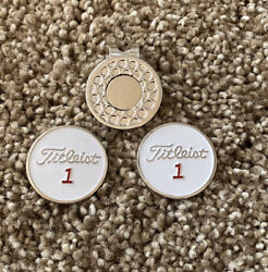 Titleist 1andrdquo Flat Golf Ball Markers With Magnetic 🧲 Hat Clip 3-pc Set