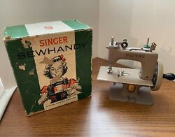 Vintage Singer Model 20 Childs Sewhandy Sewing Machine