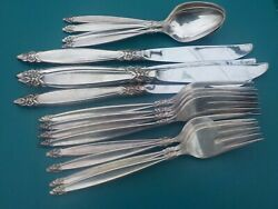 Garland 16 Piece Service For 4 1847 Rogers 1965 Silverplate Flatware