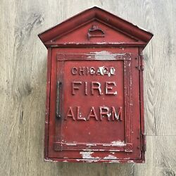 Vintage Chicago Cpd Cfd Gamewell Cast Iron Fire Police Department Alarm Call Box