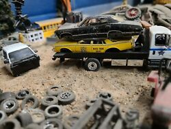 Parts Lot Junkyard Cars Load 1/64greenlight Dodge Ram Cab Chevy Ss Taxi Wrecked