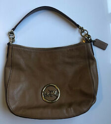 EUC Coach F31400 Leather Elle Hobo in Light Saddle Old Brass Carriage Logo $395 $59.00