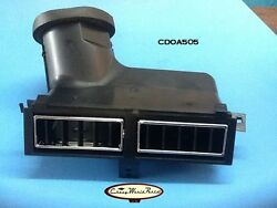 70 - 72 Chevelle El Camino Monte Carlo Center Dash Air Vent Outlet Assembly