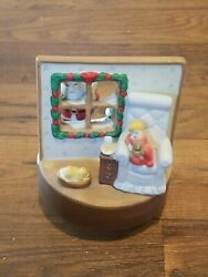 House Of Lloyd 1988 Ceramic Christmas Music Box Vintage Tested/working