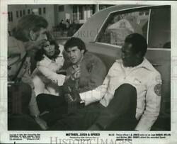 1976 Press Photo Bill Cosby And Co Stars In A Scene From Mother Jugs And Speed
