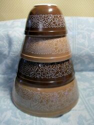 Vintage Pyrex Set Of Woodland Mixing Bowls In Very Good To Excellent Condition
