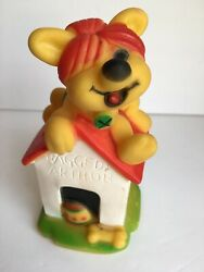 Vintage Raggedy Ann Arthur Dog On Doghouse Squeak Squeaky Squeeze Toy 1981