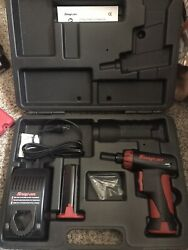 Snap-on Cts561 7.2v 1/4 Cordless Screwdriver Set W/ Hard Case And Manual