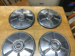 Fiat 124 Spider - Hub Caps 4 All Years Oem