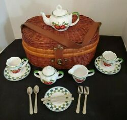 Vintage Childs Porcelain China Tea Picnic Play Set In Wicker Basket Chest 17 Pc
