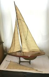 Vintage Pond Yacht Model Wooden Boat Model Sailing Ship Toy With Stand