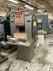 Sentry Electric Furnace Model Ay 33 Kw 2500anddegf 220v 3ph Heat Treating Oven