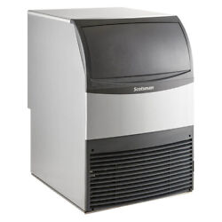 Scotsman Uf424a-6 Air-cooled Flake-style Ice Maker With Bin 370 Lbs/day