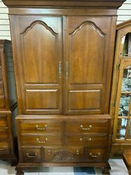 Drexel Heritage Wooden Dresser W/ 2 Cabinets And 7 Drawers